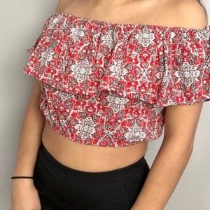 HOLLISTER OFF THE SHOULDER RUFFLE CROP TOP RED